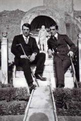 Фото Пабло Пикассо и Леонид Мясин в доме Марка Лукреция. Помпеи 1917 г.