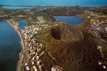 Фото Кратеры потухших вулканов Флегрейские поля
