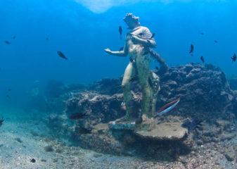 Фото Скульптура Диониса под водой. Город Байя Флегрейские поля