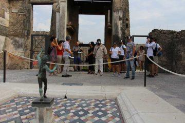 Фото Экскурсия в очках виртуальной реальности Помпеи