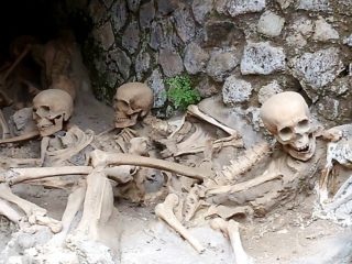 Фото Жертвы извержения Везувия Геркуланум