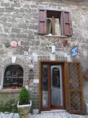 Фото Казерта Веккья. Кафе в средневековом доме